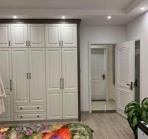 秦皇水岸.137平3室2厅2卫.豪华精装直接拎包入住.有证可贷款